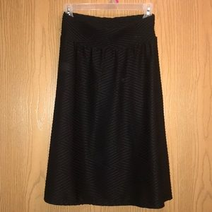 Black below knee length pattern skirt